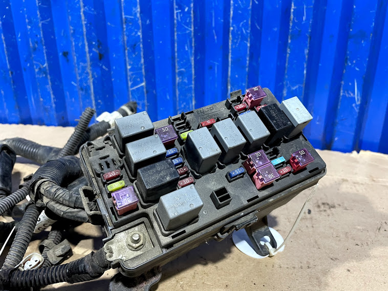 Блок предохранителей Aveo 2006 T250 1.4 F14D3