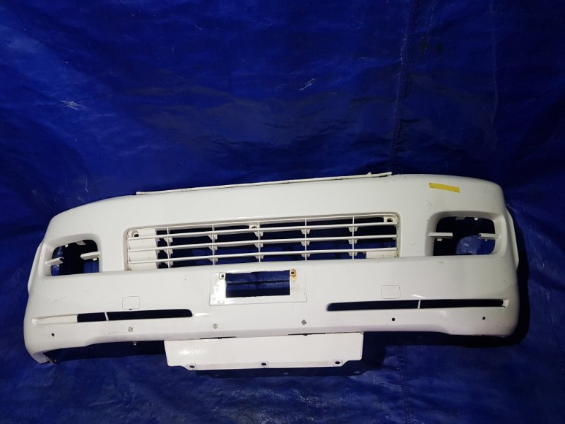 Бампер передний TOYOTA HIACE KDH205 52119-26440 контрактная