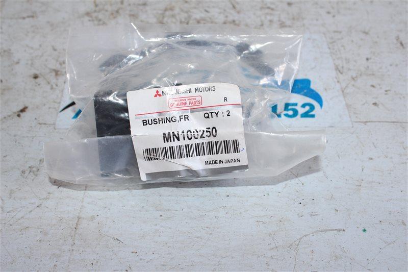 Втулка стабилизатора MITSUBISHI 2005 V26W 4M40 MN100250 новая