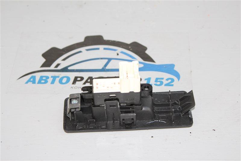 Кнопка стеклоподъемника задняя правая Teana 2003-2007 J31 VQ23DE