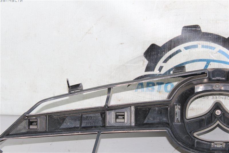 Решетка радиатора 6 2002-2007 GG L3-VE