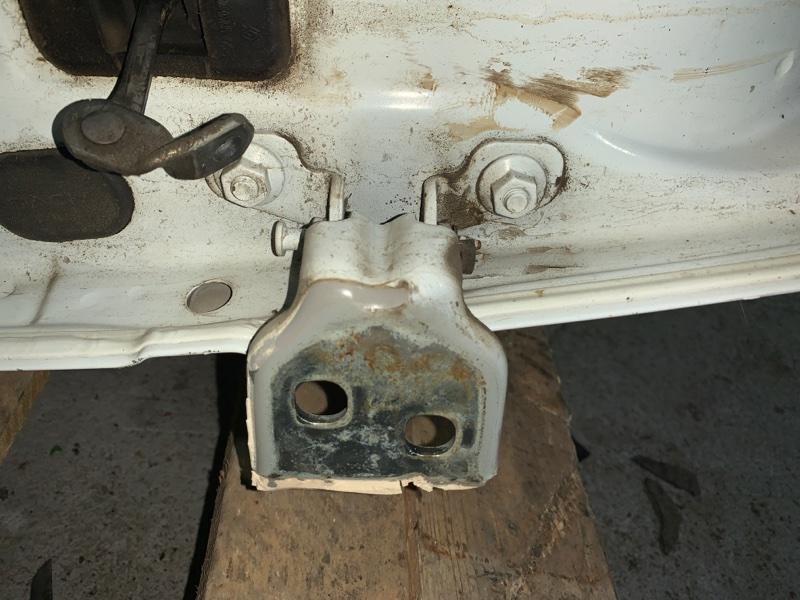 Петли дверные задние правые Renault Logan LS0G/LS12 K7J