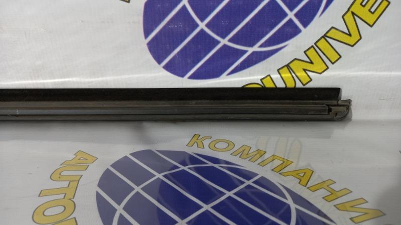Молдинг двери задний правый YRV 2001 M201G K3