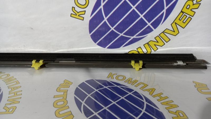 Молдинг двери передний левый Forester 2002 SG5 EJ20J