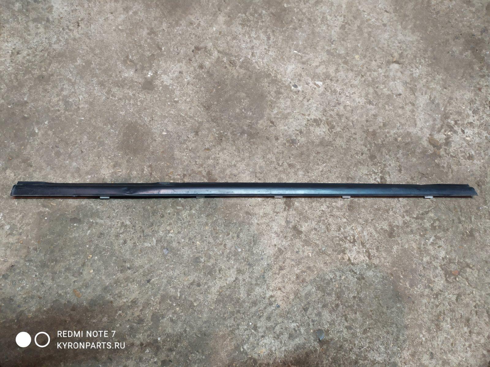 Молдинг (уплотнитель) стекла задний правый Ssangyong Kyron 7352009000 Б/У