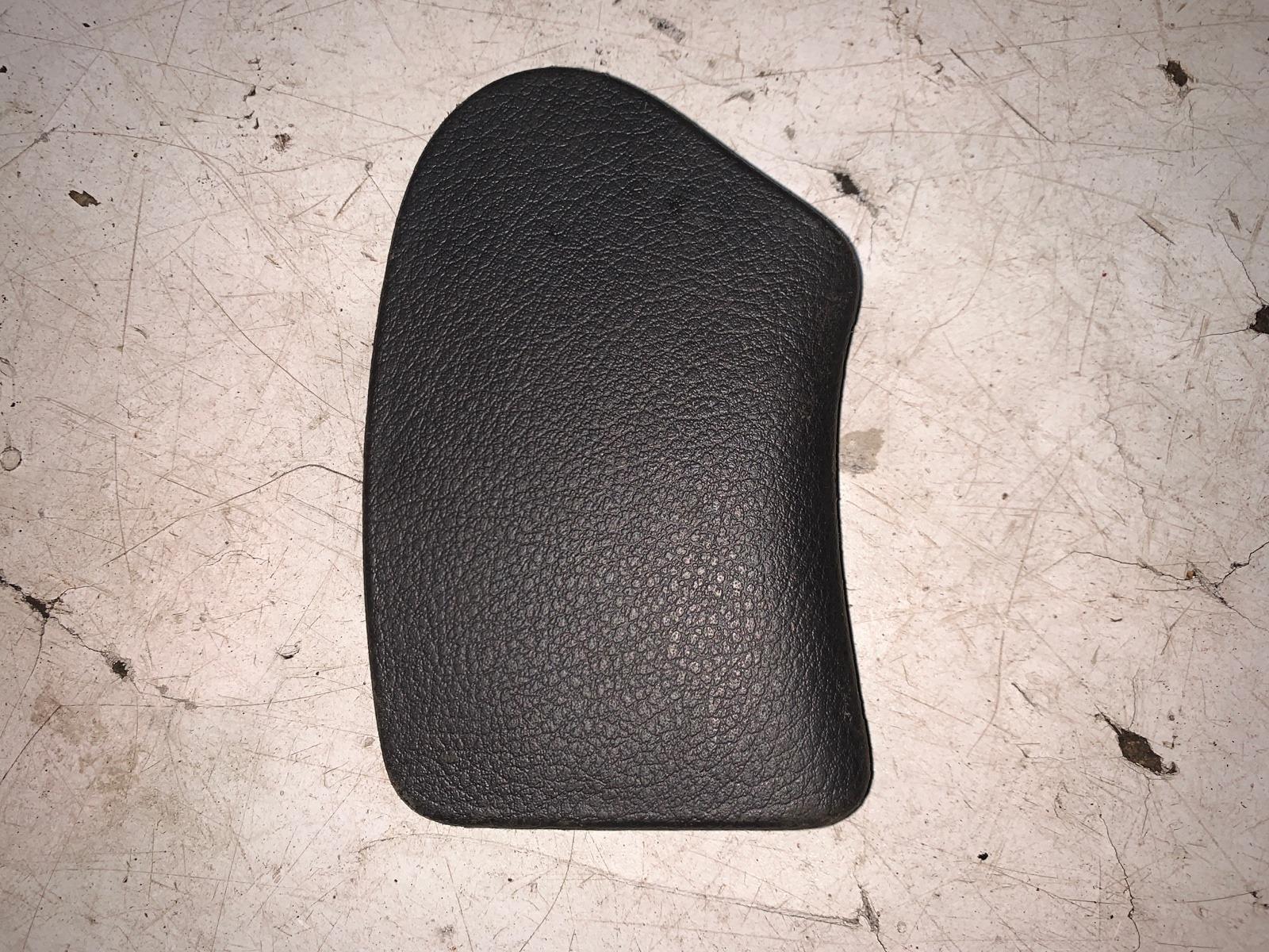 Заглушка панели багажника правая Ssangyong Kyron 7744609000LAM Б/У