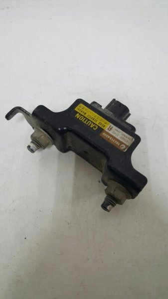 Датчик airbag передний правый Subaru Forester S11 1876005140 Б/У