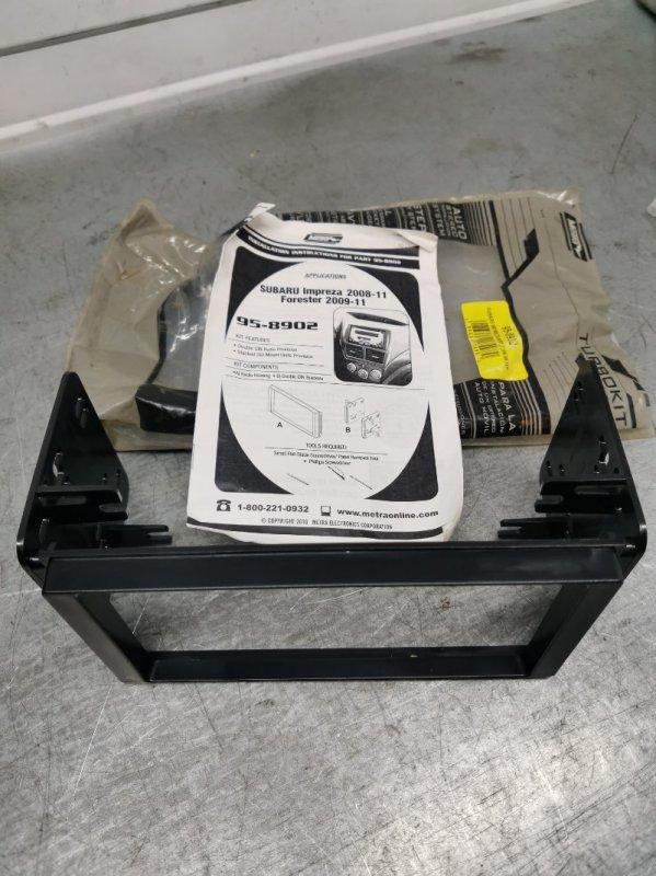 Рамка под магнитолу Subaru Forester 2008-2012 SH5 Б/У