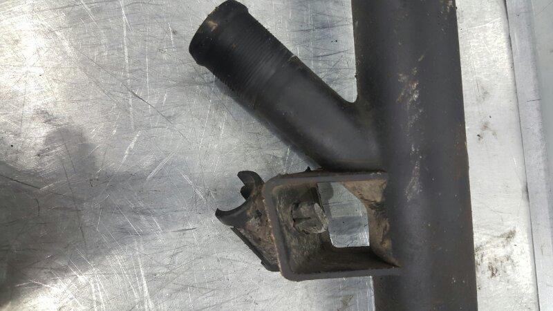 Патрубок системы охлаждения Renault Symbol LU01 K4M