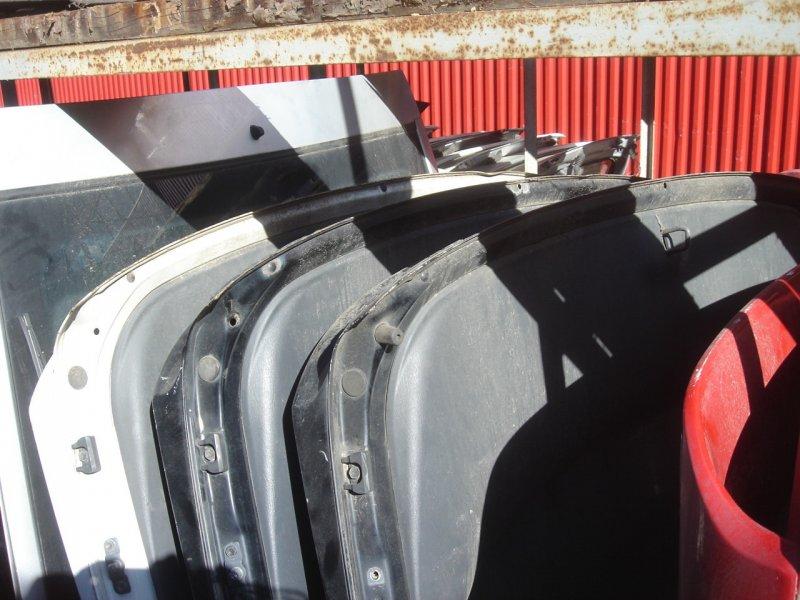 Крышка багажника задняя Toyota Celica 180