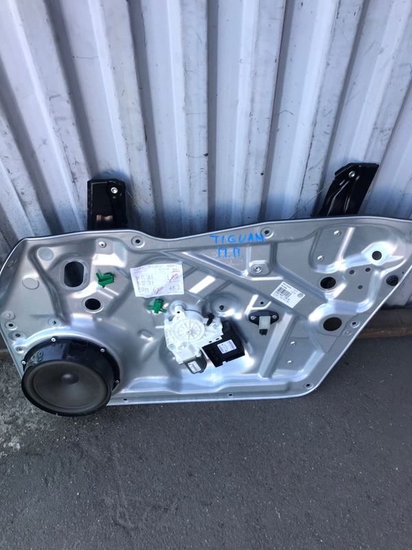 Мотор стеклоподъемника передний volkswagen Tiguan 2007 5N1 Б/У
