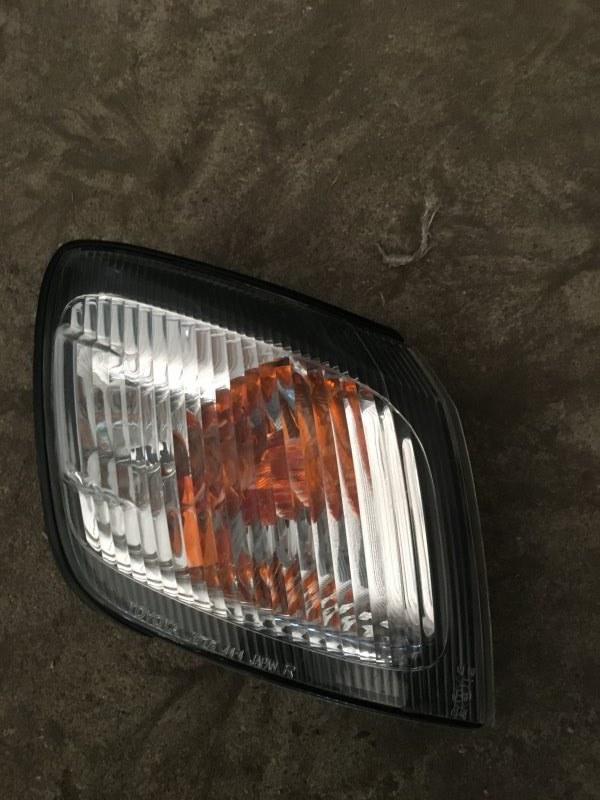 Габарит передний Toyota Ipsum 1997 SXM10 контрактная