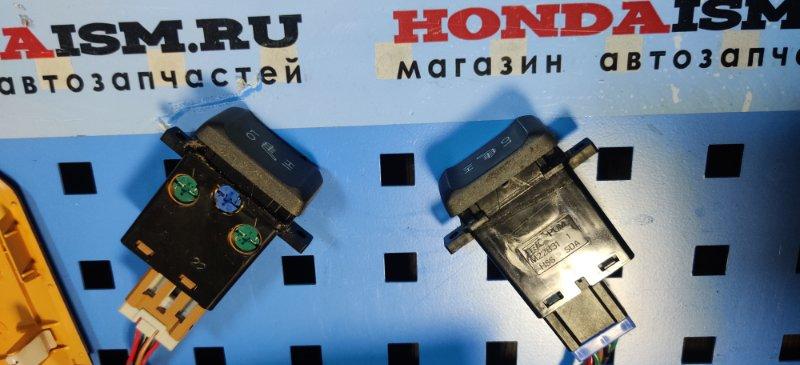 Кнопка обогрева сидения правая Honda Accord 7 2006-2008 35600-SDA-A01 контрактная
