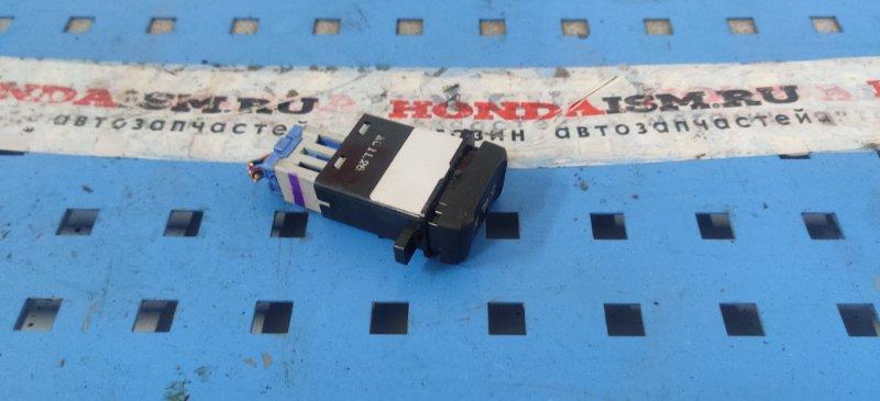 Кнопка обогрева сидений правая Honda Accord 7