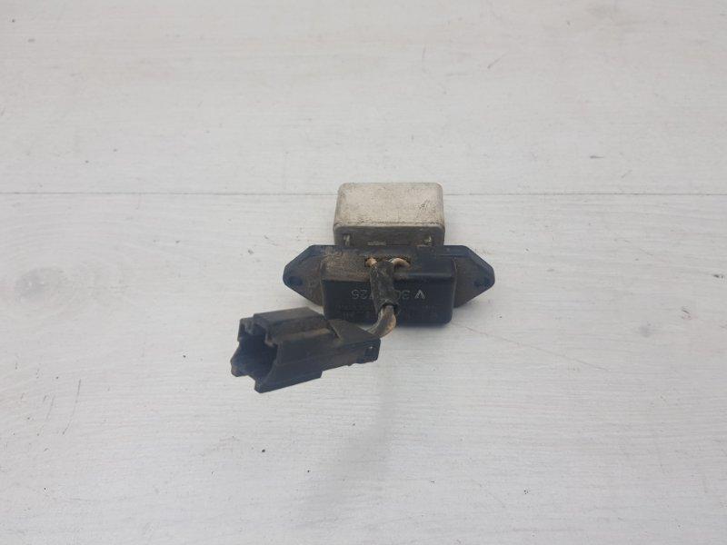 Резистор печки Pajero 1995 2 6G74