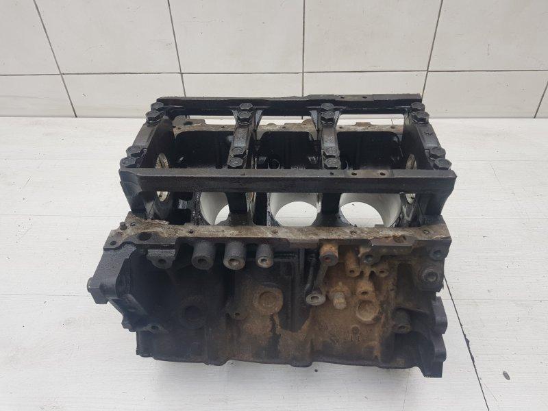 Блок цилиндров Pajero 1995 2 6G74