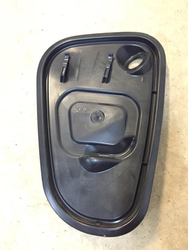 Заглушка двери передняя правая Volkswagen Golf 2012-2017 5G 5G4837916G контрактная