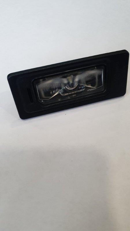 Фонарь подсветки номерного знака Volkswagen Tiguan 2012-2018 5N 5NA943021 контрактная