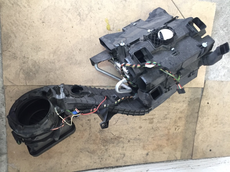 Корпус отопителя Volkswagen Crafter 2E