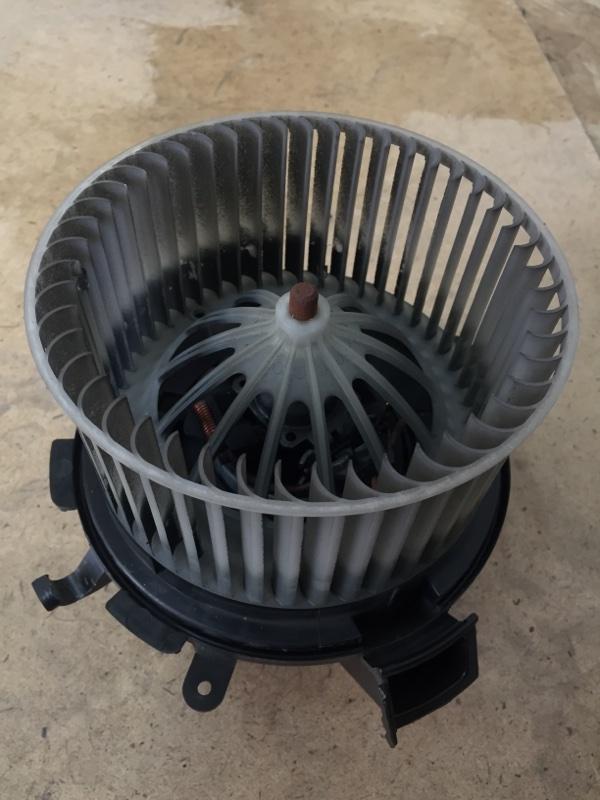 Мотор отопителя Volkswagen Crafter 2E