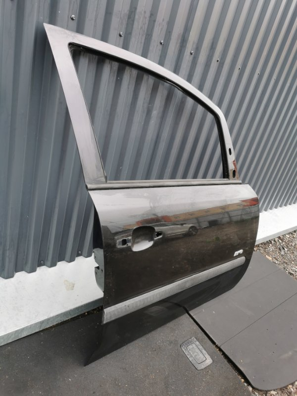 Дверь передняя правая Opel Zafira B 1.6