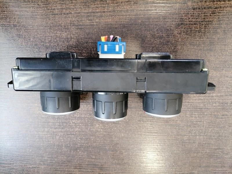 Блок управления климат контроля Hyundai Tucson JM 2.0