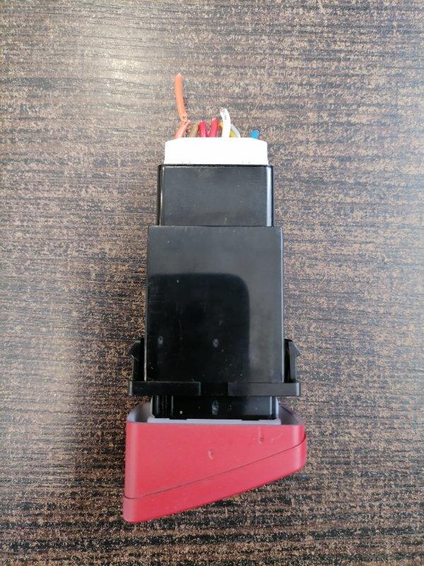 Кнопка аварийной сигнализации Hyundai Tucson JM 2.0