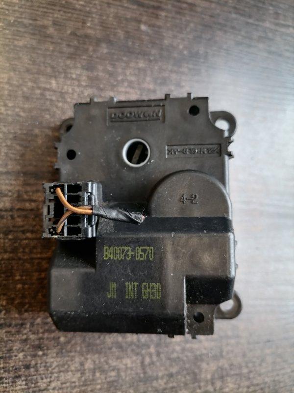 Привод заслонки отопителя Hyundai Tucson 2010 JM 2.0 971542E200 контрактная