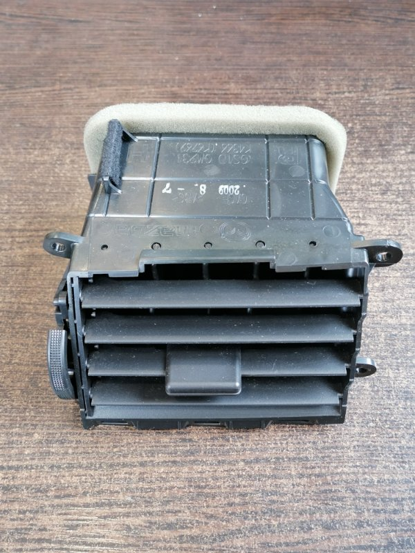 Вентиляционная решетка передняя правая Mazda Mazda6 2010 GH GS1D64930C контрактная