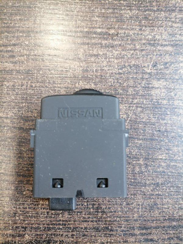 Кнопка Nissan Qashqai J10 2.0