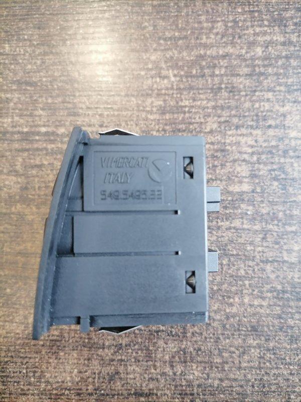 Кнопка аварийной сигнализации BMW 3-Series E90 2.0 N43