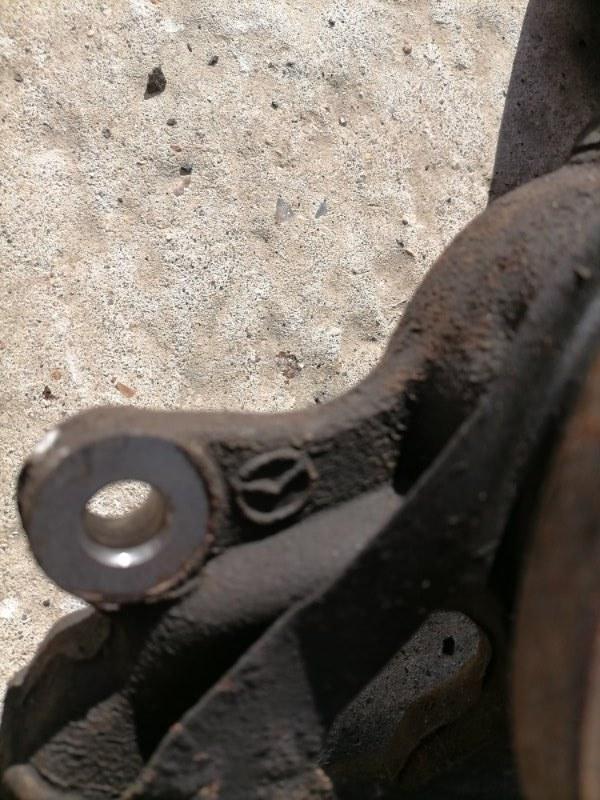 Кулак поворотный передний левый Mazda6 2010 GH