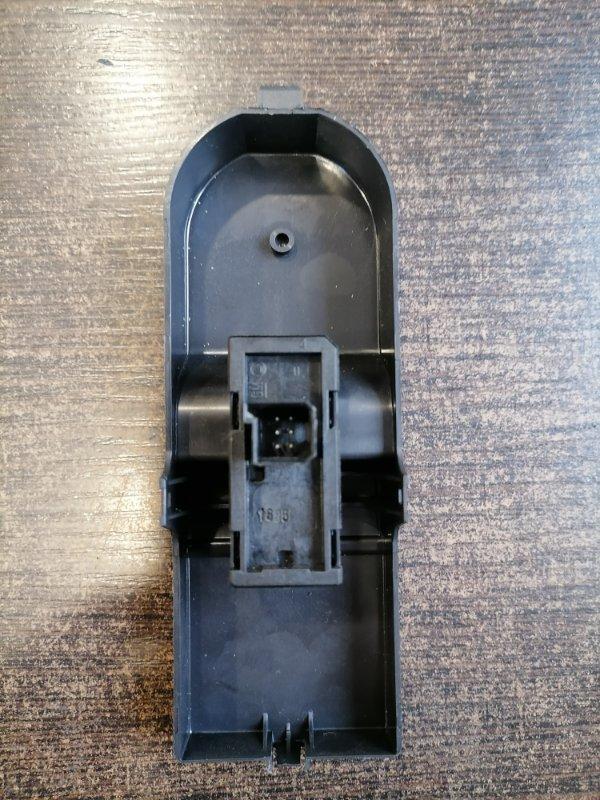 Кнопка стеклоподъемника Opel Zafira B 1.6