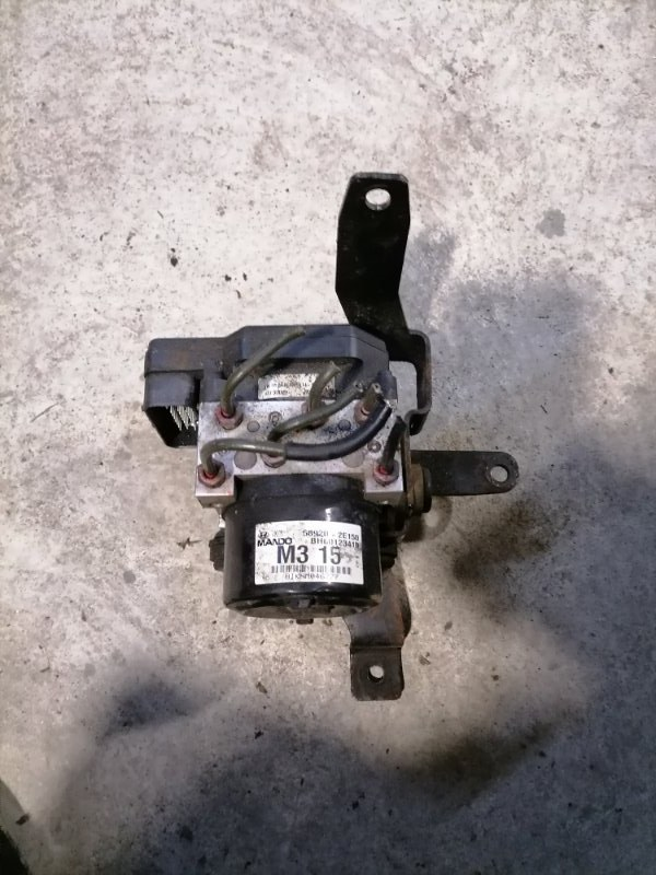 Блок ABS Hyundai Tucson 2010 JM 2.0 589002E150 контрактная