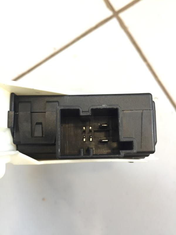 Мотор стеклоподъемника Skoda Yeti 5L