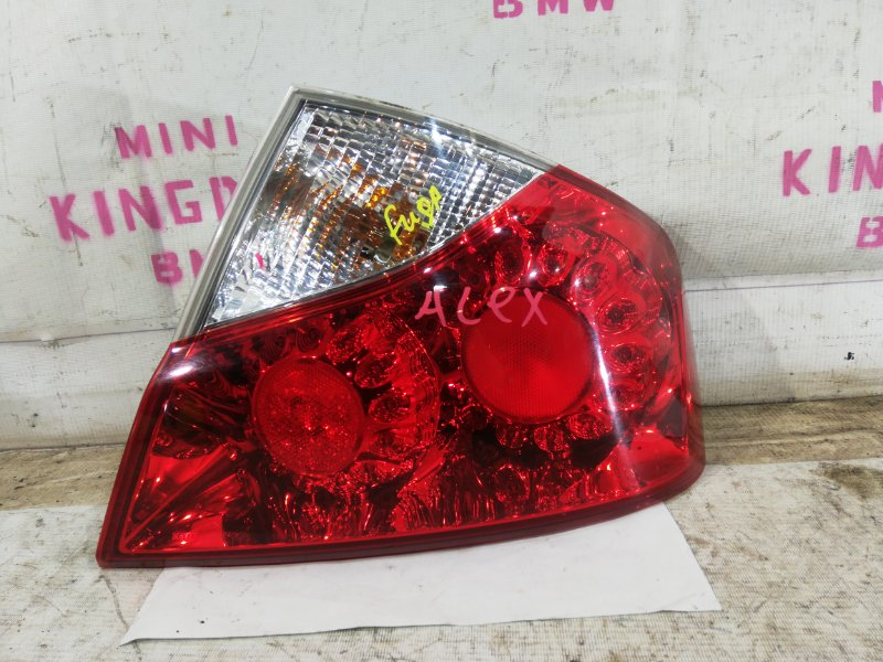 Фонарь задний правый Infiniti M35 Y50 VQ35DE 22063989 контрактная