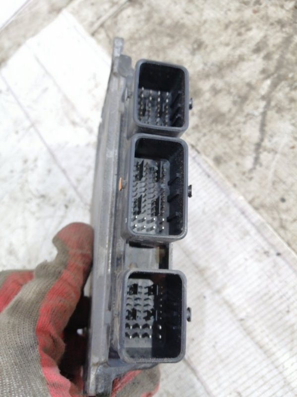 Блок управления двигателем Nissan X-trail T31 MR20