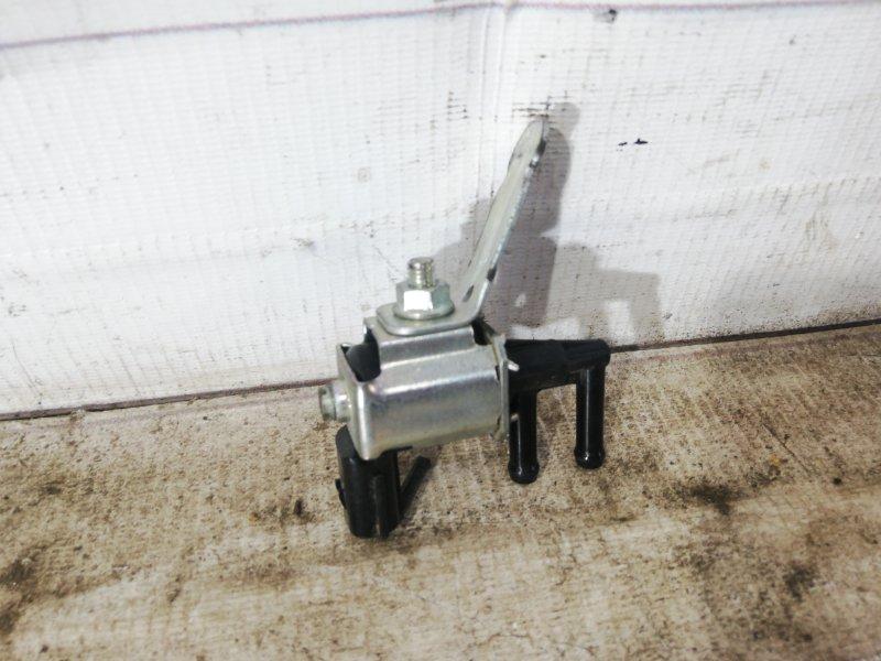Клапан вакуумный Mazda 6 2004-2009 lf L3K918741 контрактная