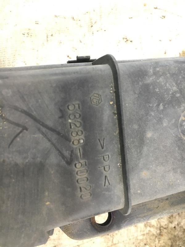 Дефлектор радиатора Celsior UCF31