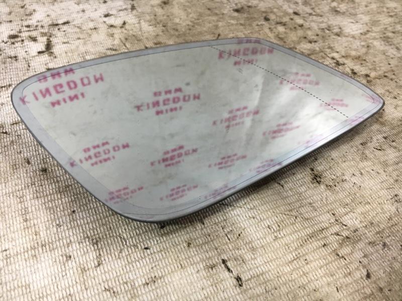 Зеркальный элемент правый BMW 1-Series 2011 F20 N13B16A 51167285000 контрактная