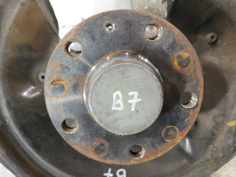 Поворотный кулак задний левый passat 2012 B7 variant 1.4