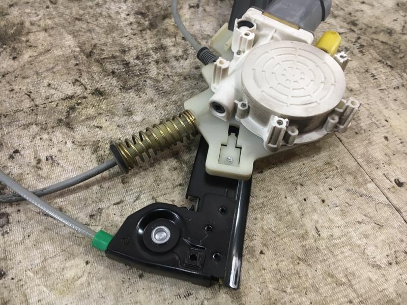 Стеклоподъемник передний правый Cooper R50 W10B16