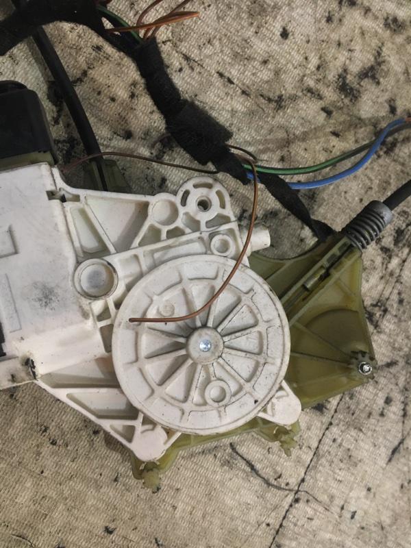 Стеклоподъемник передний правый 3-Series E92