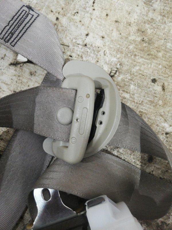 Ремень безопасности правый Toyota Camry acv40 2AZ-FE
