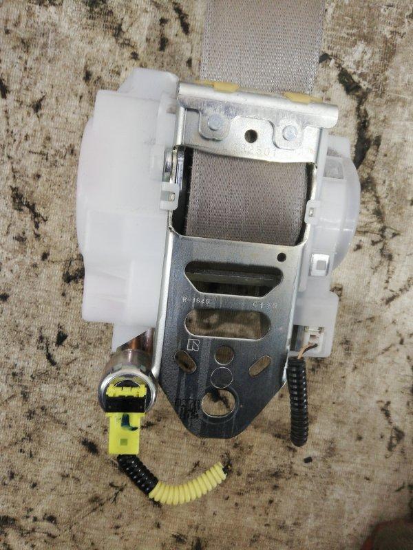 Ремень безопасности правый Camry 2011 acv40 2AZ-FE