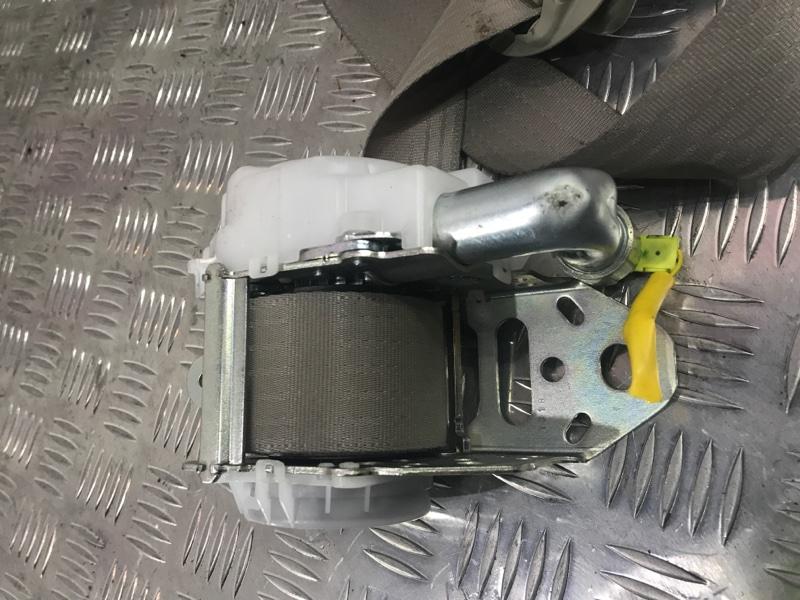 Ремень безопасности передний левый Toyota Camry acv40 2AZ-FE