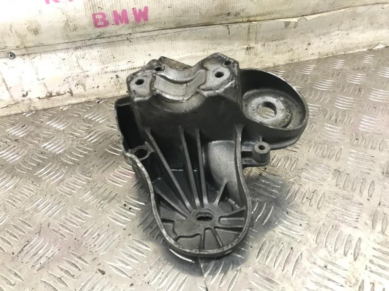 Кронштейн двигателя A6 2005 C6 BDW