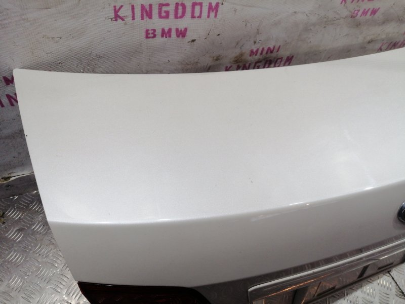 Крышка багажника задняя Subaru Legacy V