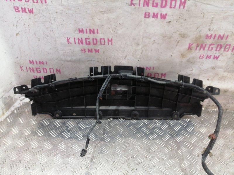 Накладка замка капота G35 V36