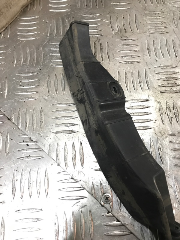 Кронштейн крепления фары правый Cooper 2007 R56 N12B16A